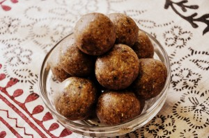 Oats Walnut Dates balls